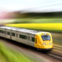Yellow-speeding-train_fotolia-300x200.jpg
